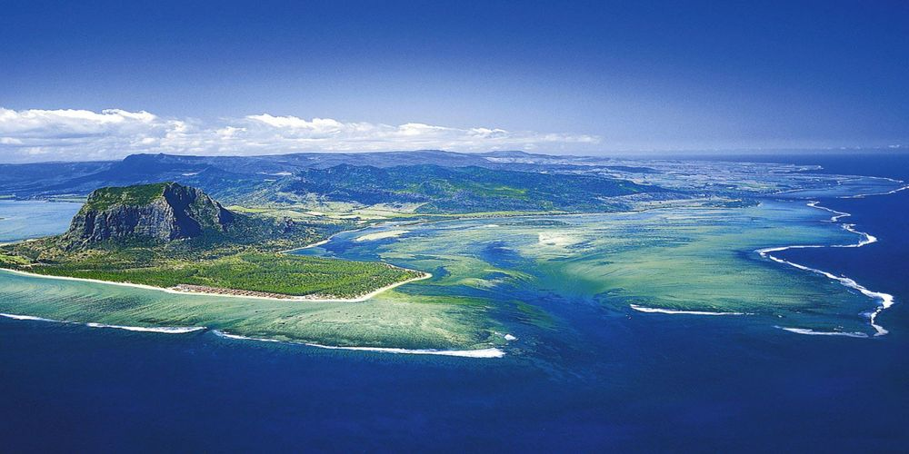 Strategically located on the trade route, Mauritius offers several advantages to anyone wishing to conduct business on the island.